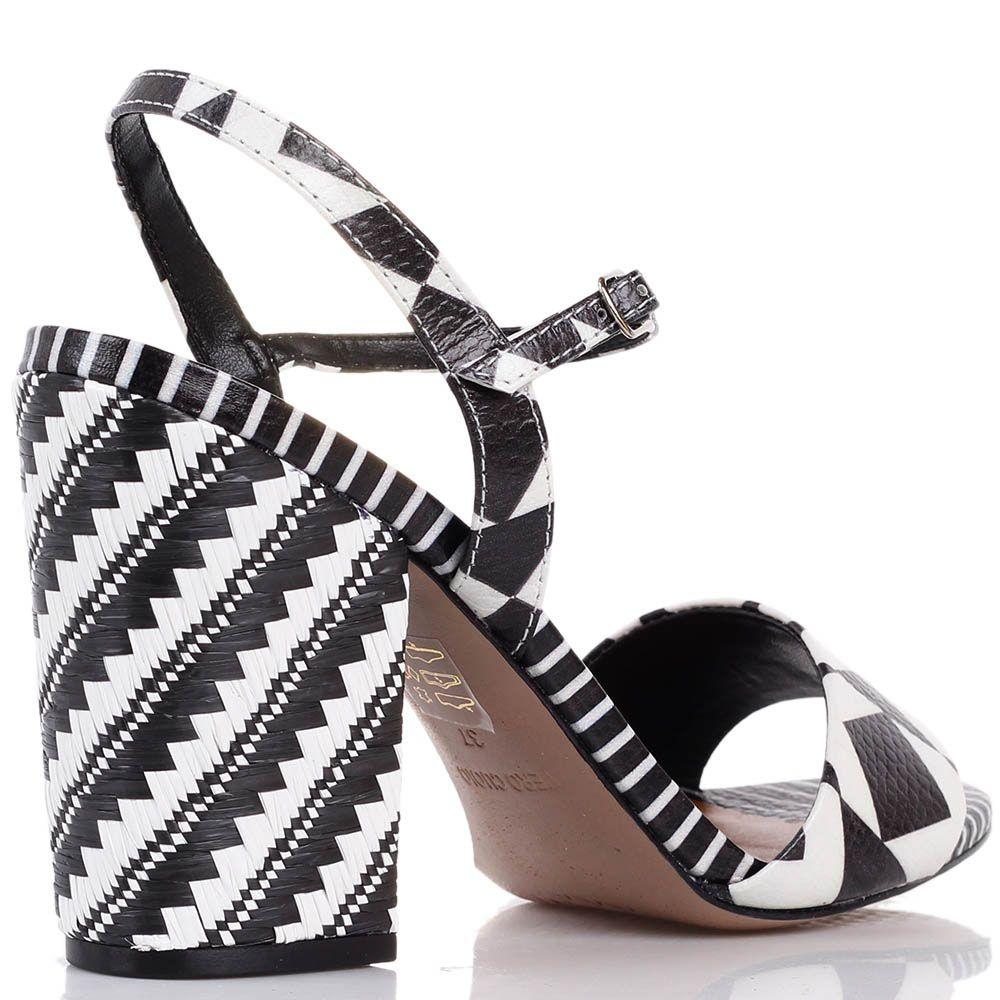 Кожаные босоножки Vicenza с абстрактным бело-коричневым принтом на каблуке с плетением