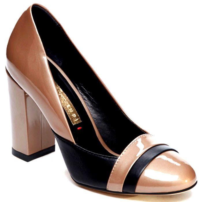 Туфли бежевого цвета из лаковой кожи Modus Vivendi с черными вставками