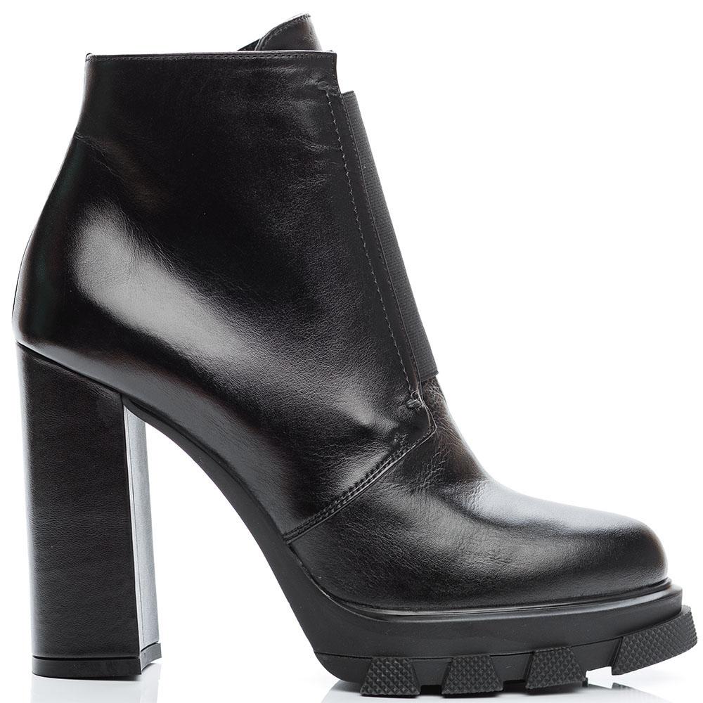Ботильоны из кожи черного цвета Reda Milano на среднем каблуке