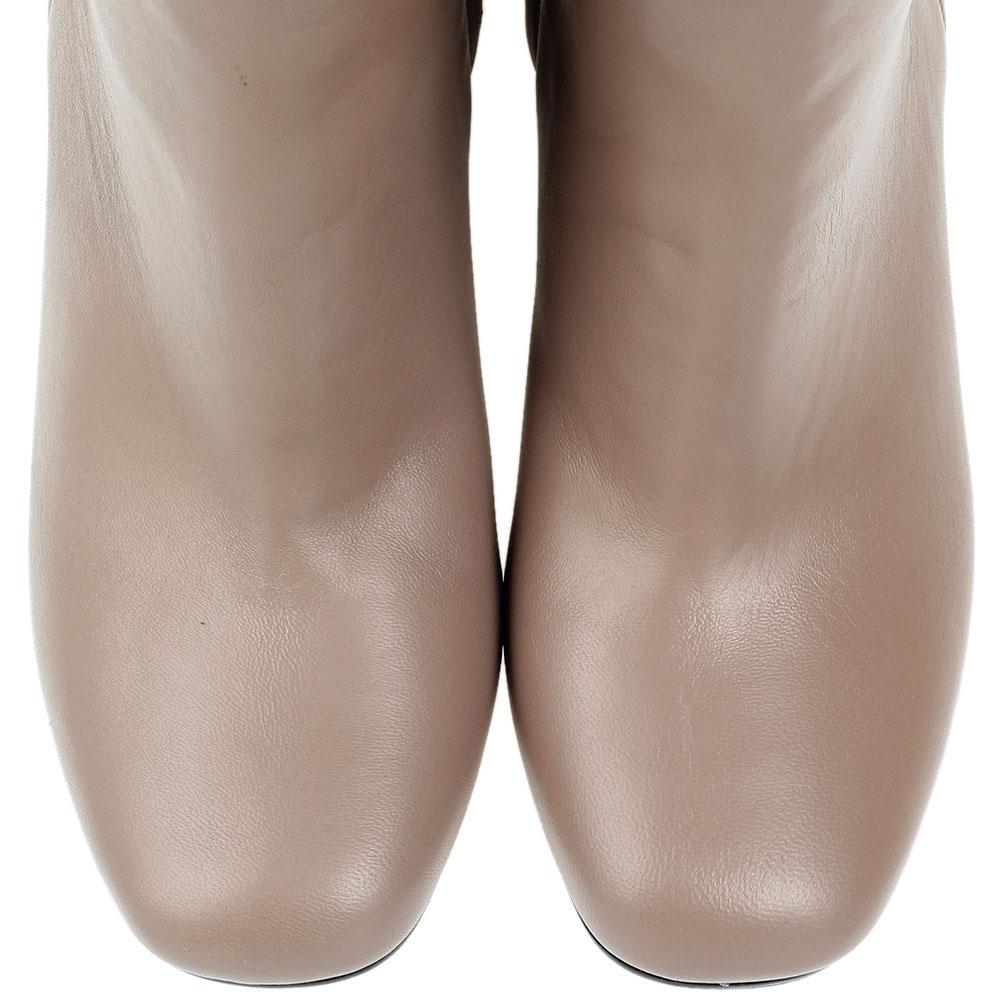 Кожаные бежевые сапоги Bianca Di на устойчивом каблуке