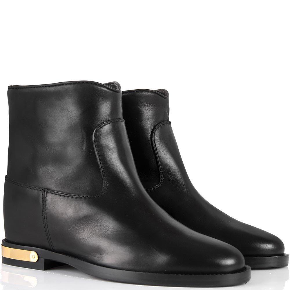 Ботинки Via Roma 15 черного цвета с широким голенищем и металлической вставкой на каблуке