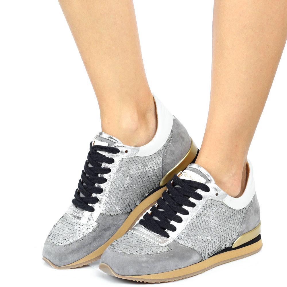 Замшевые кроссовки Via Roma 15 серого цвета с декором из пайеток