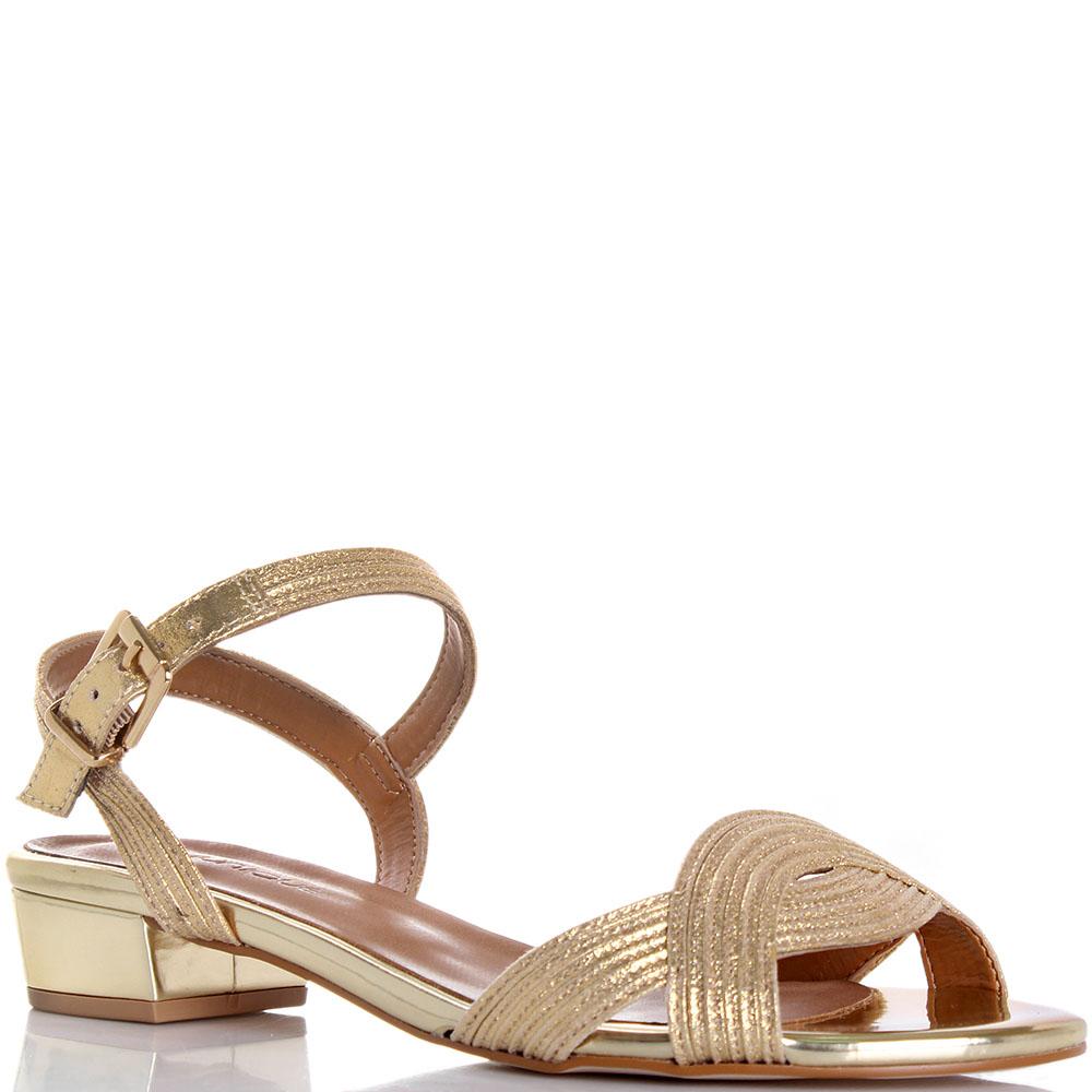 Женские сандалии модные