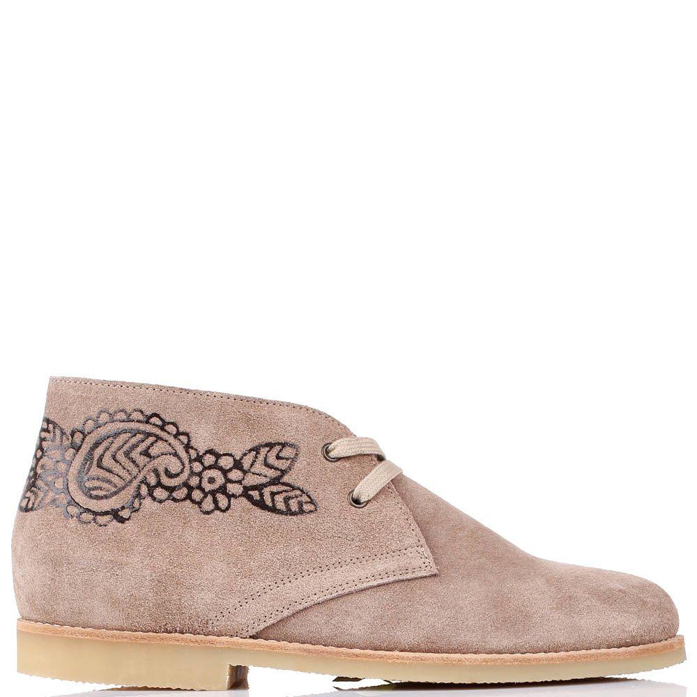 Замшевые ботинки J.J.Delacroix бежевого цвета с растительным орнаментом