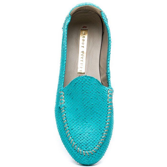 Женские лоферы Modus Vivendi из ярко-голубой фактурной кожи