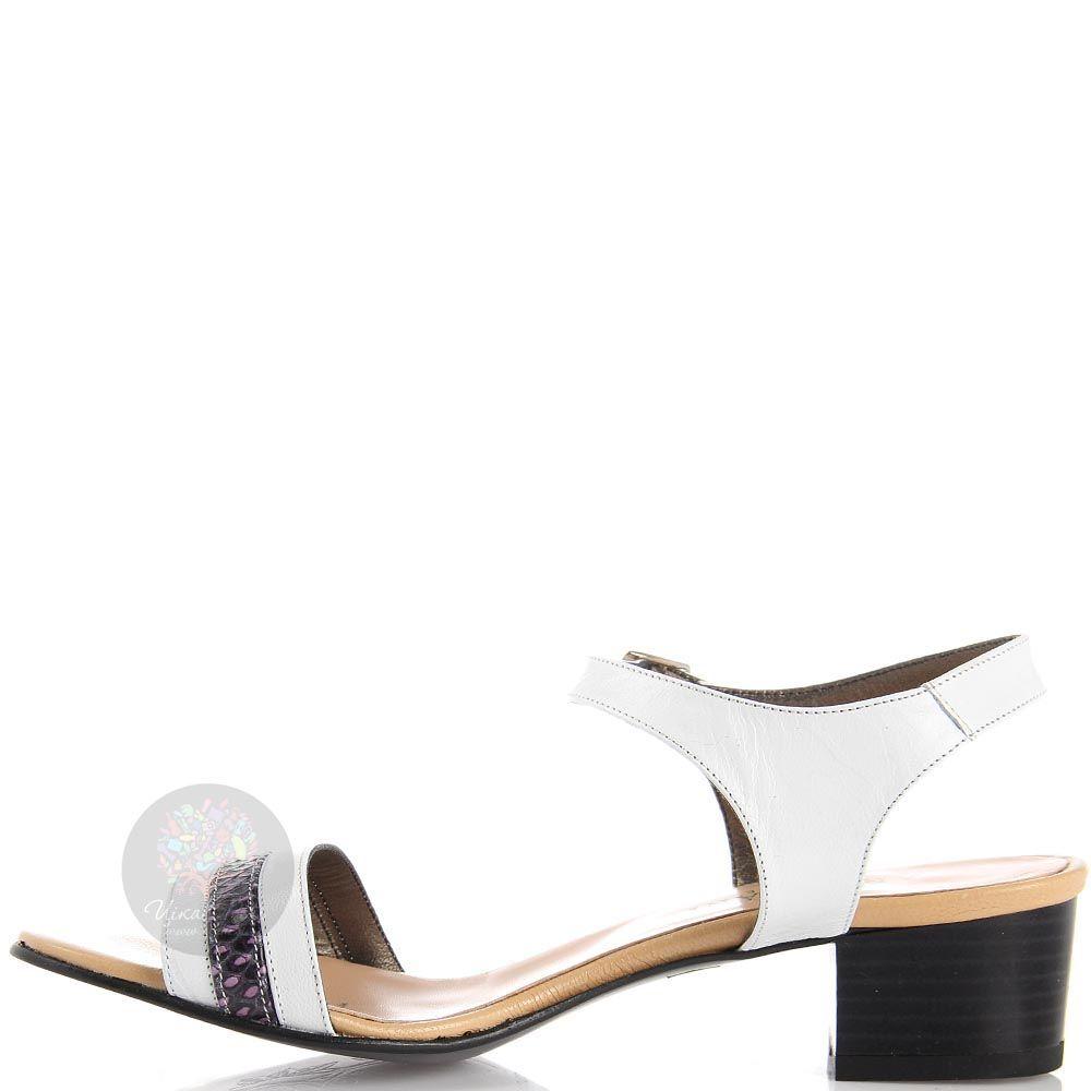 Босоножки Nuovi Artigiani из кожи белого цвета с фиолетовой полоской
