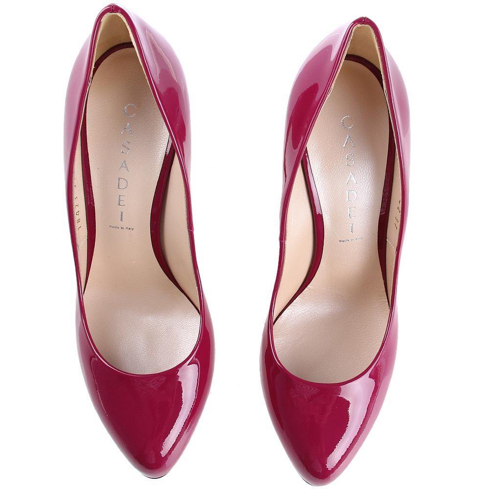 Туфли-лодочки Casadei лаковые ягодного цвета на шпильке