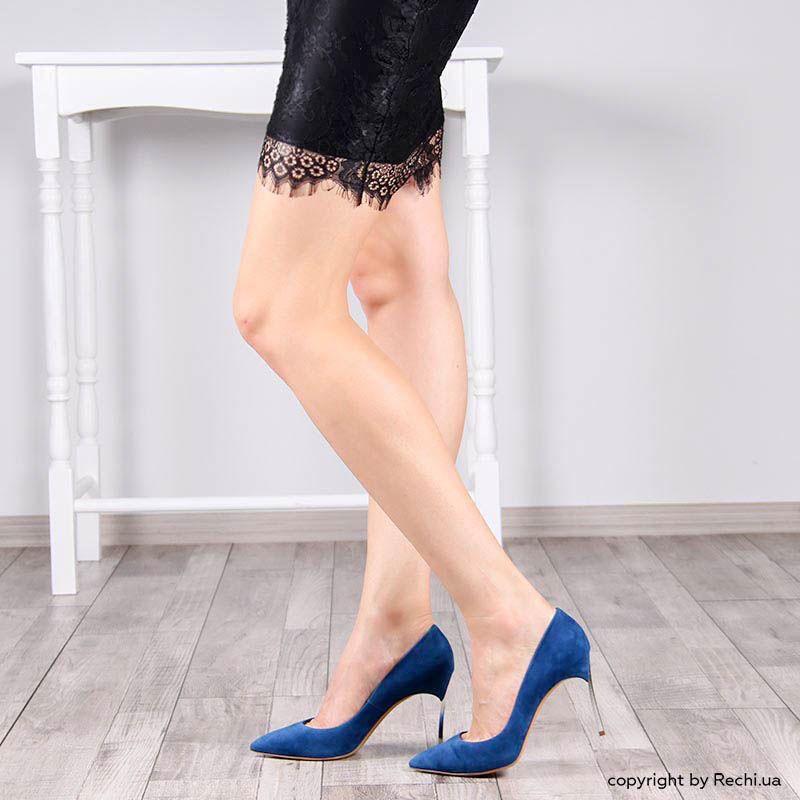 Туфли-лодочки Casadei синего цвета замшевые с металлическим каблуком