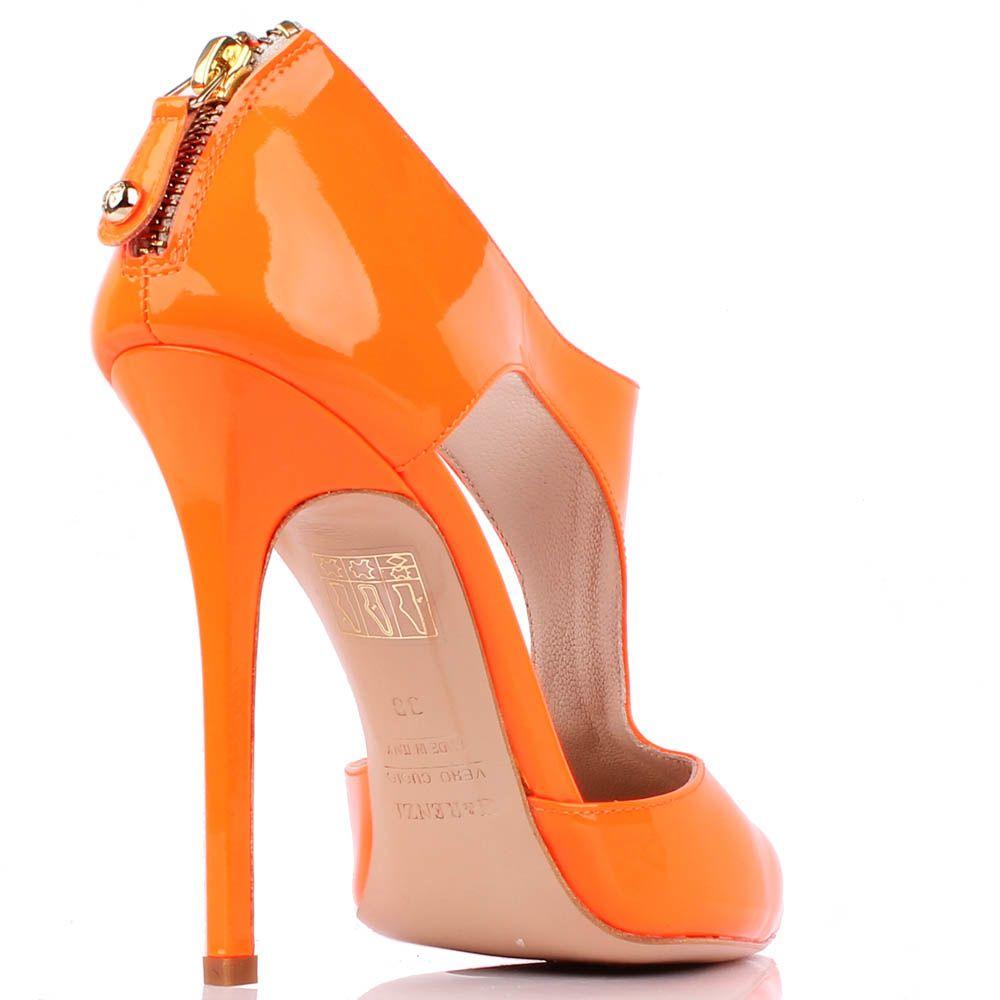 Туфли Renzi из ярко-оранжевой лаковой кожи с открытыми боками