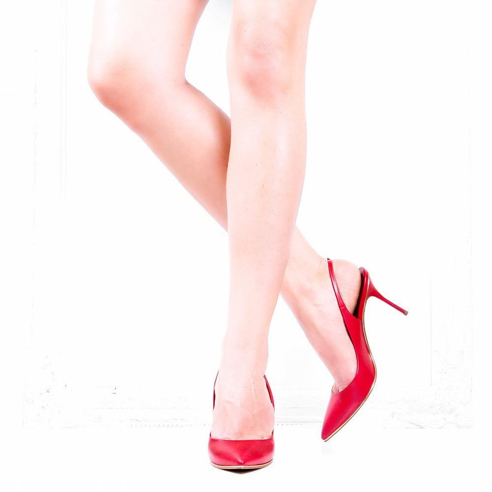 Босоножки Casadei красного цвета с золотистой окантовкой на подошве