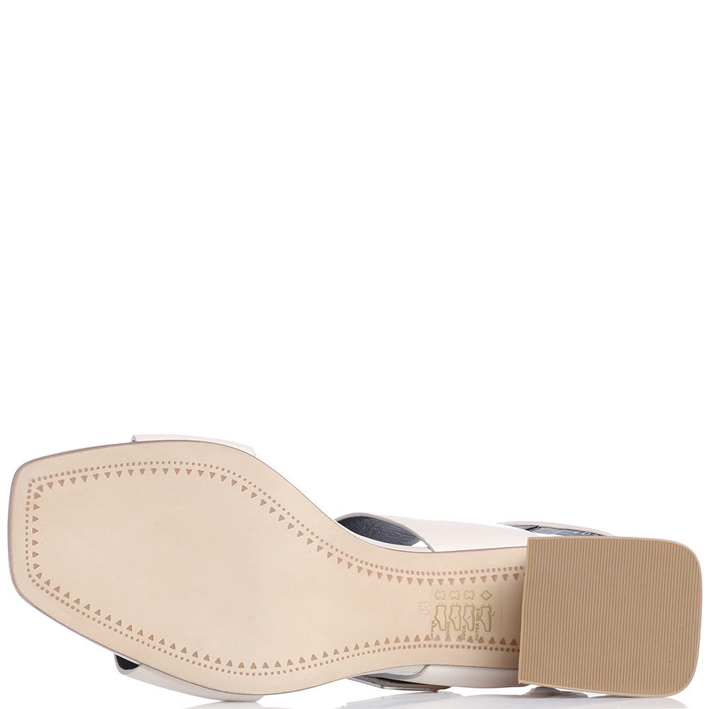 Молочные босоножки Bruno Premi с металлической вставкой на каблуке