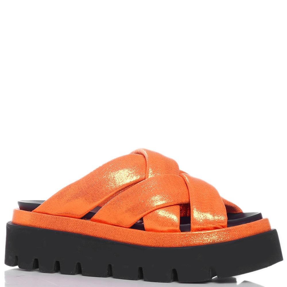 Оранжевые шлепанцы Strategia на платформе