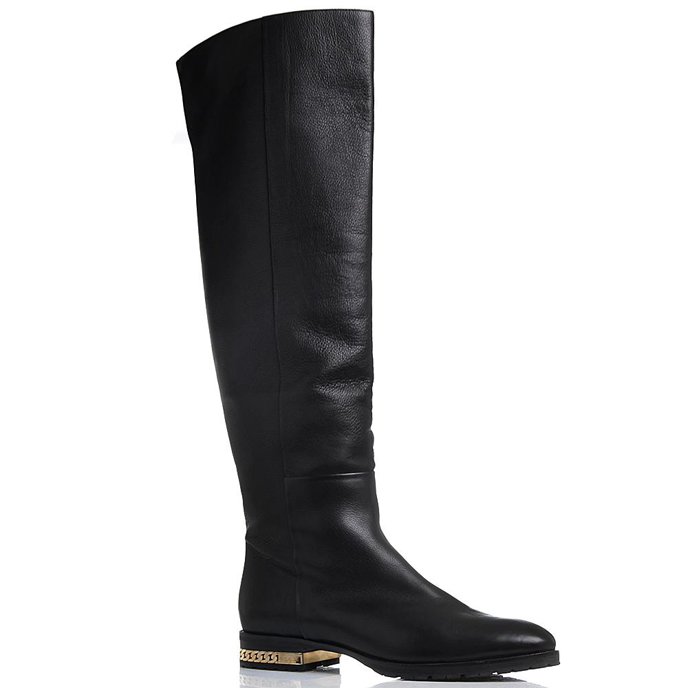 Высокие кожаные сапоги черного цвета Dyva с декором на каблучке в виде цепочки