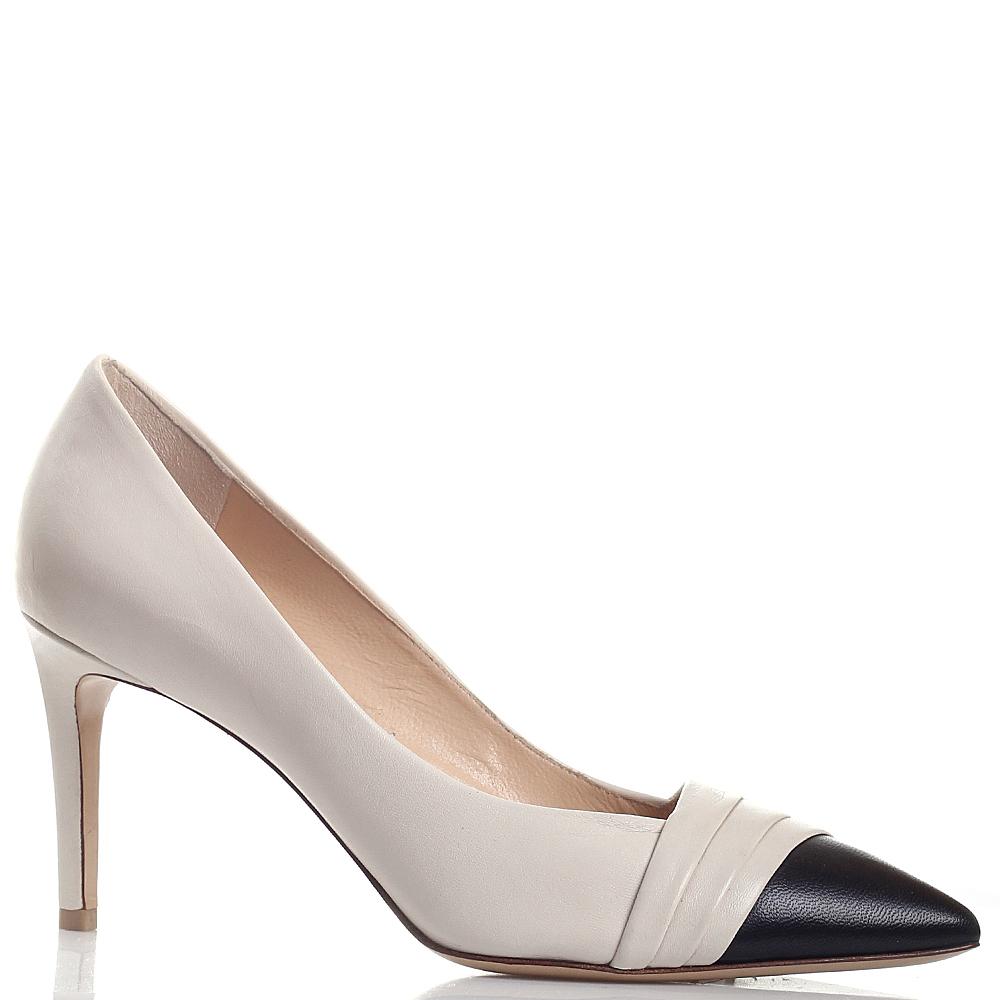 Туфли-лодочки Dyva бежевого цвета с острым черным носком