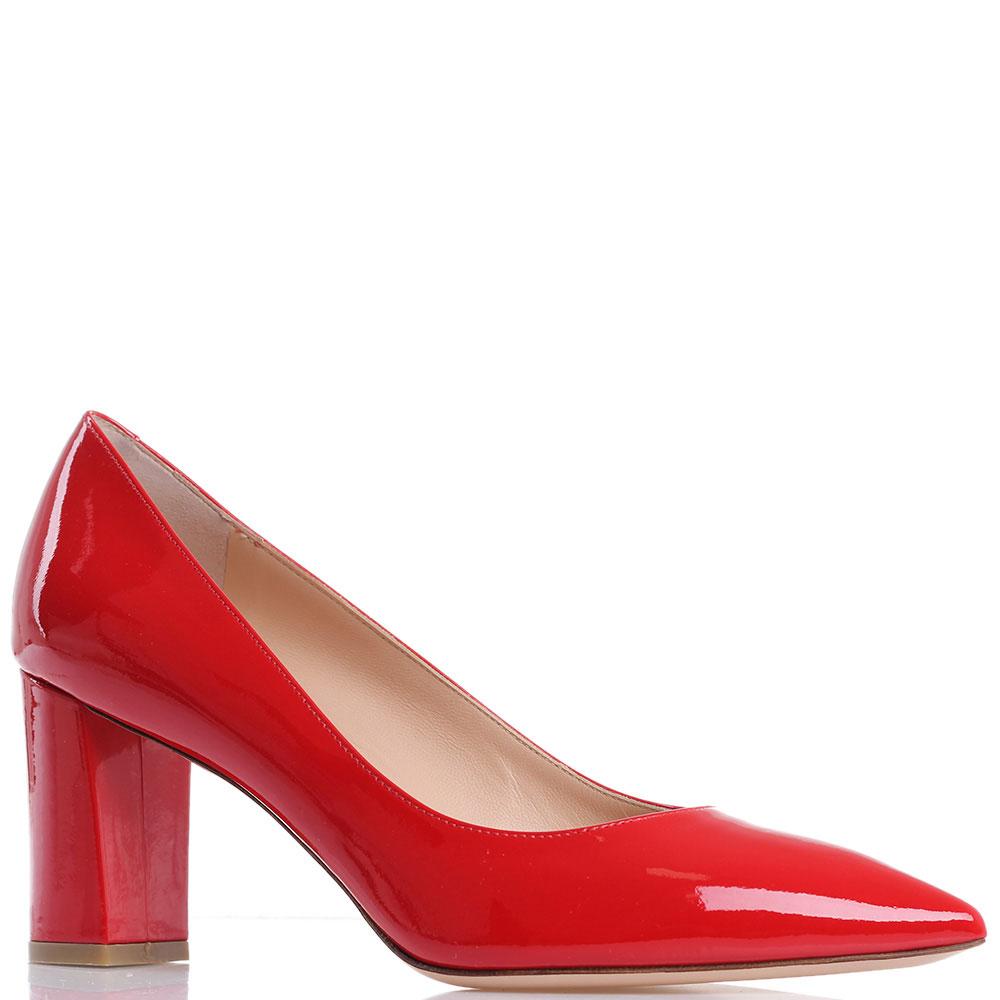 Лаковые туфли Dyva красного цвета на толстом каблуке
