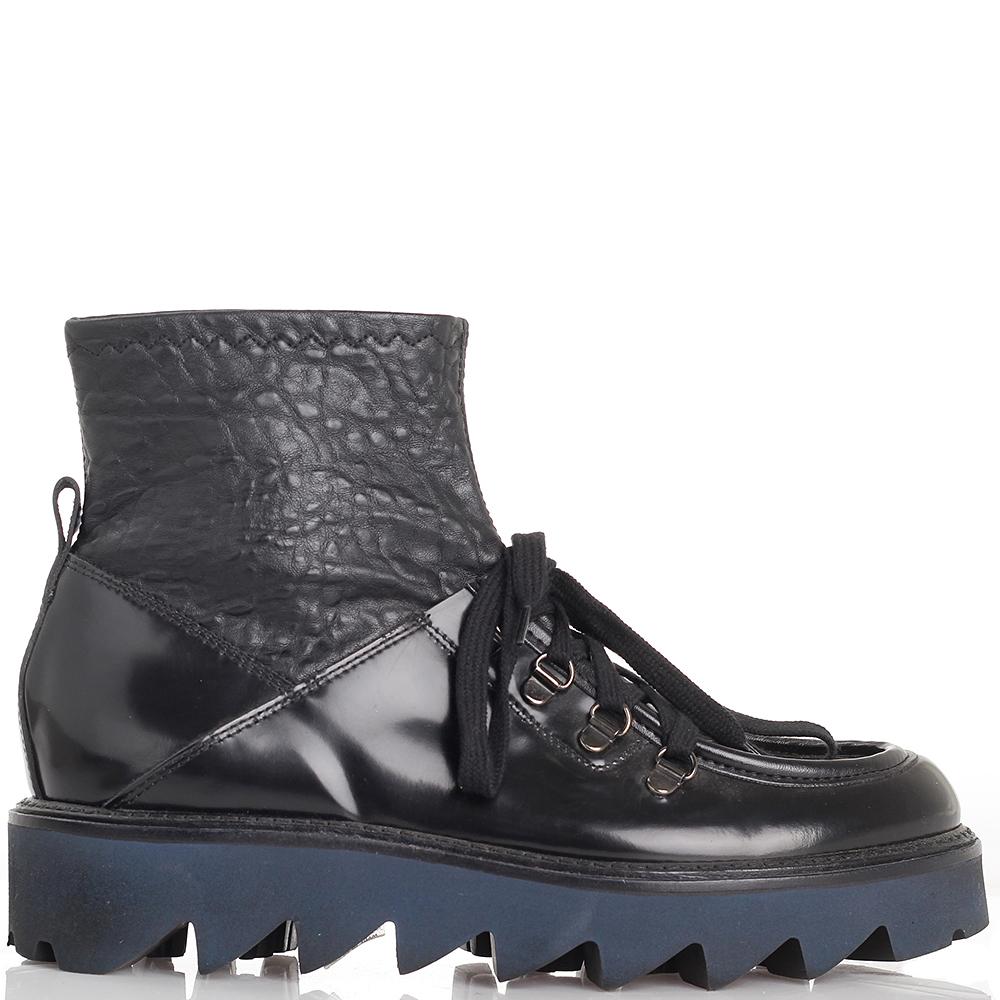 Ботинки черного цвета Laura Bellariva на структурной подошве