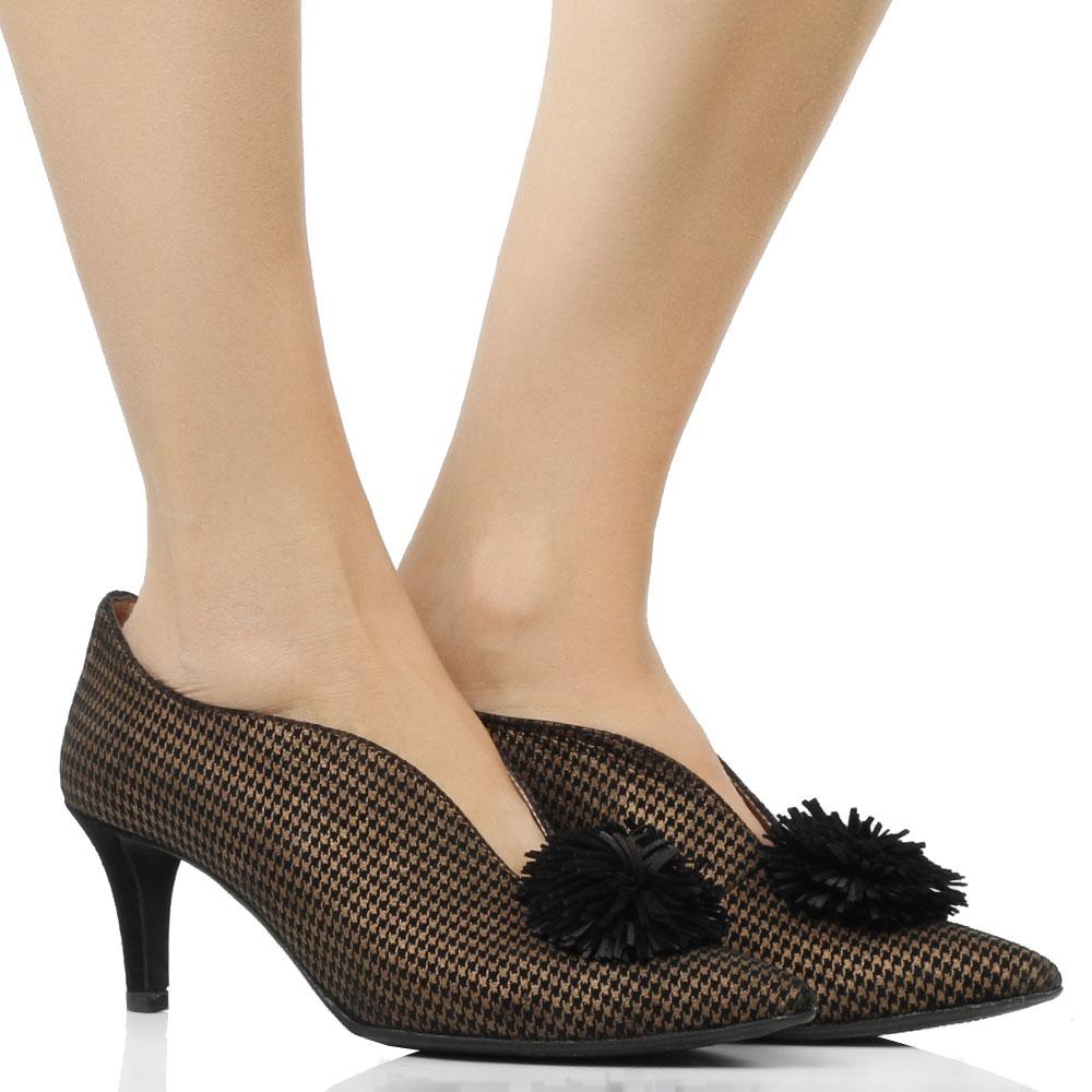 Туфли Status на шпильке с острым носком