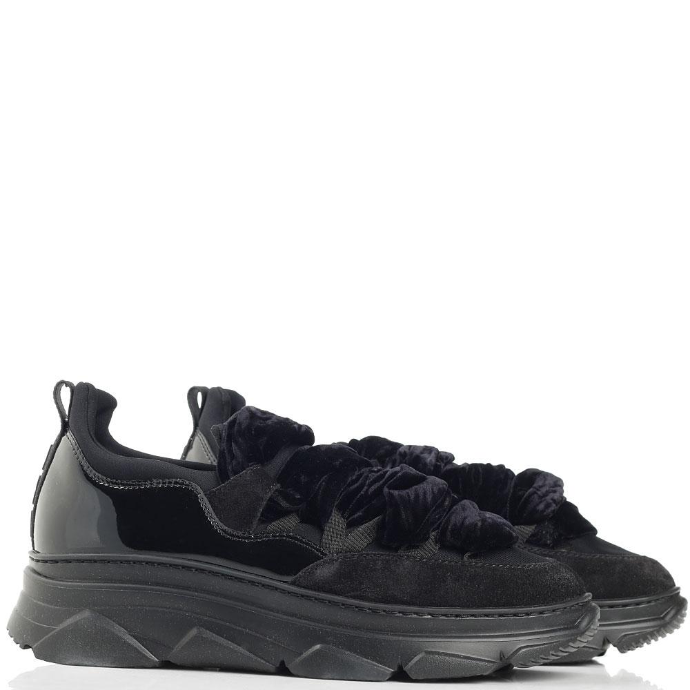 Черные кроссовки Alberto Gozzi с синими текстильными шнурками
