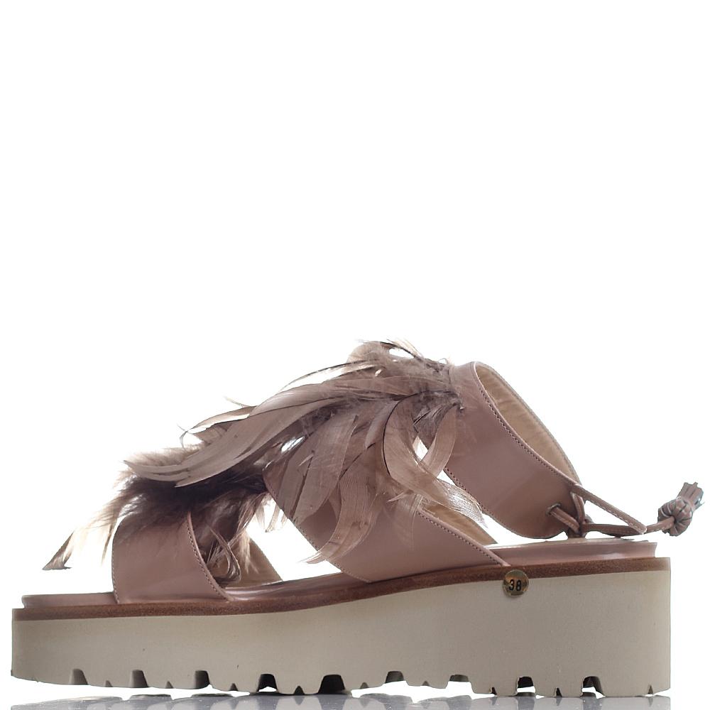 Бежевые босоножки Nando Muzi с декором из перьев
