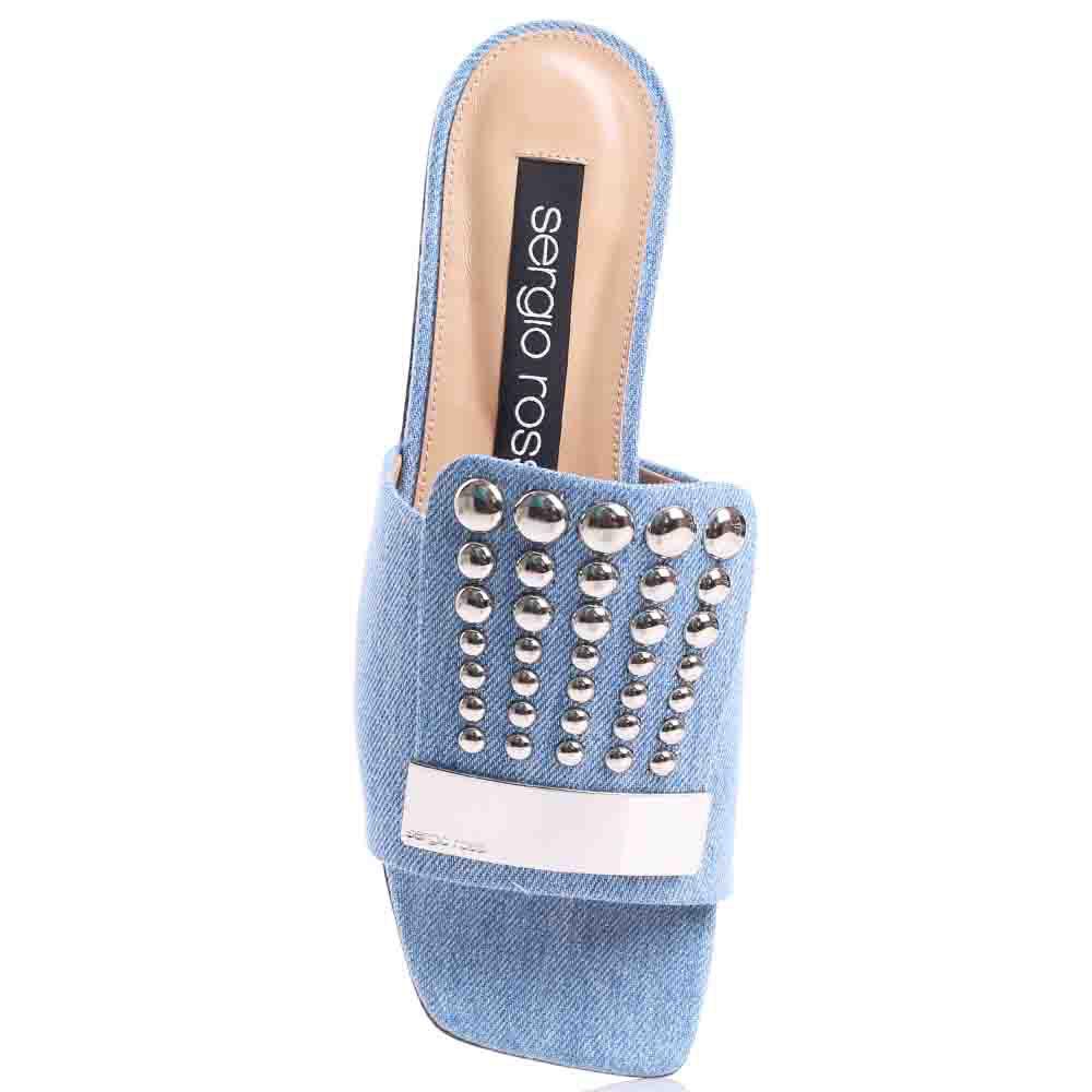 Шлепанцы Sergio Rossi с джинсовым верхом и декором-заклепками