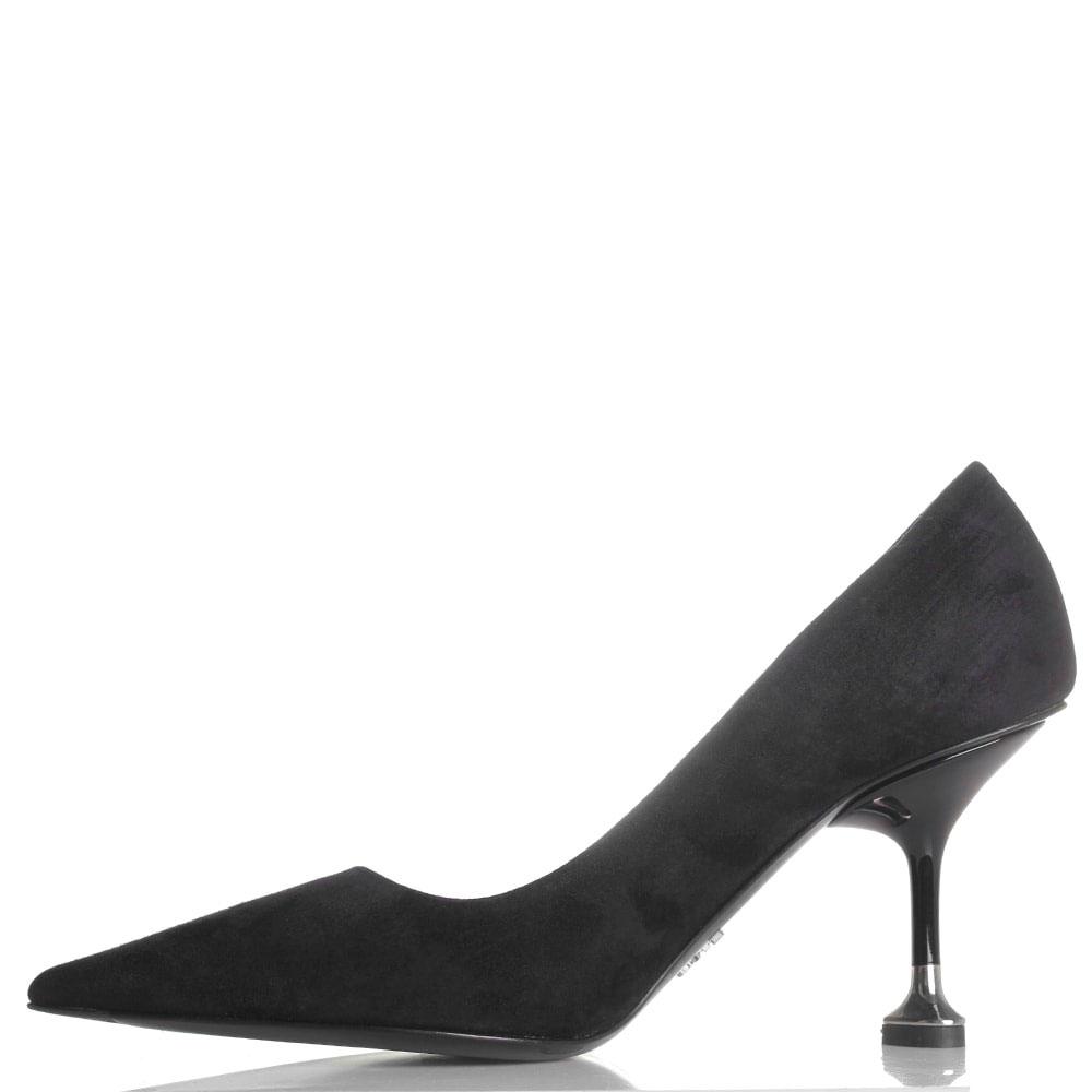 Замшевые туфли Prada черного цвета с острым носком