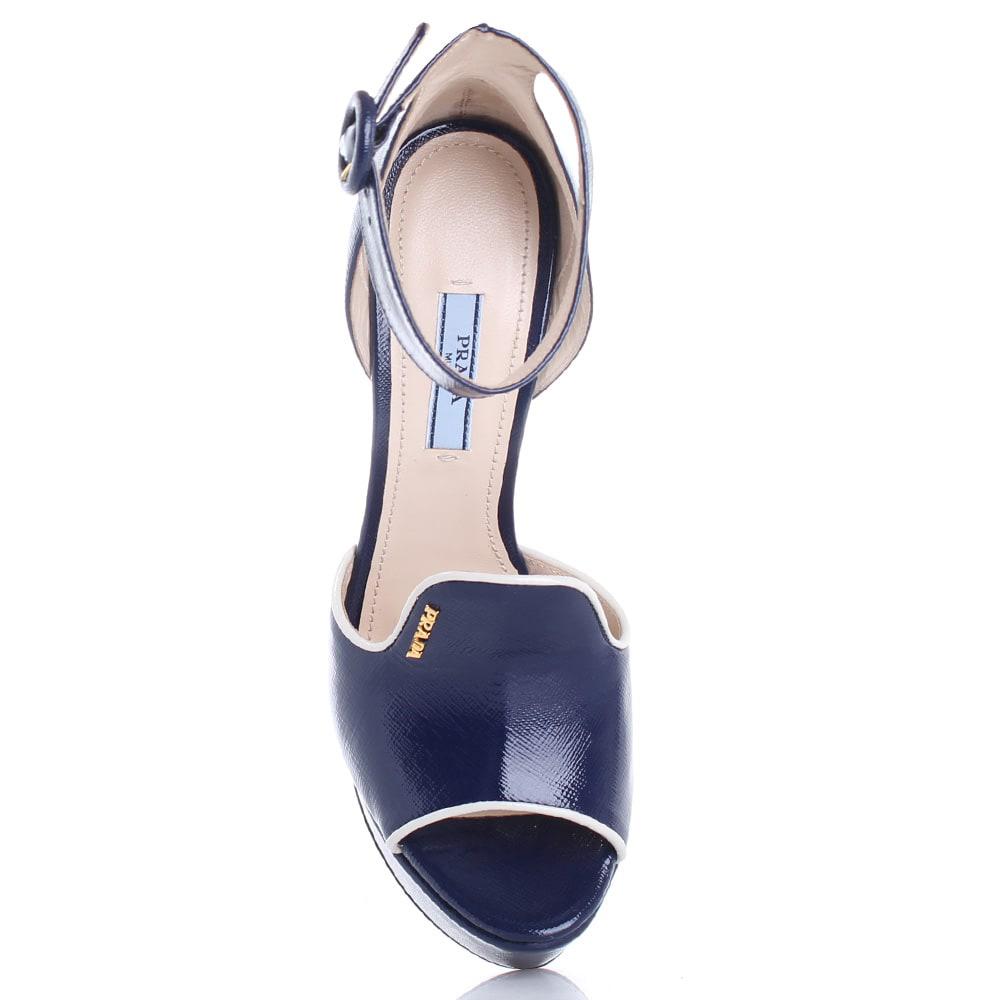 Синие босоножки Prada на платформе и высоком каблуке