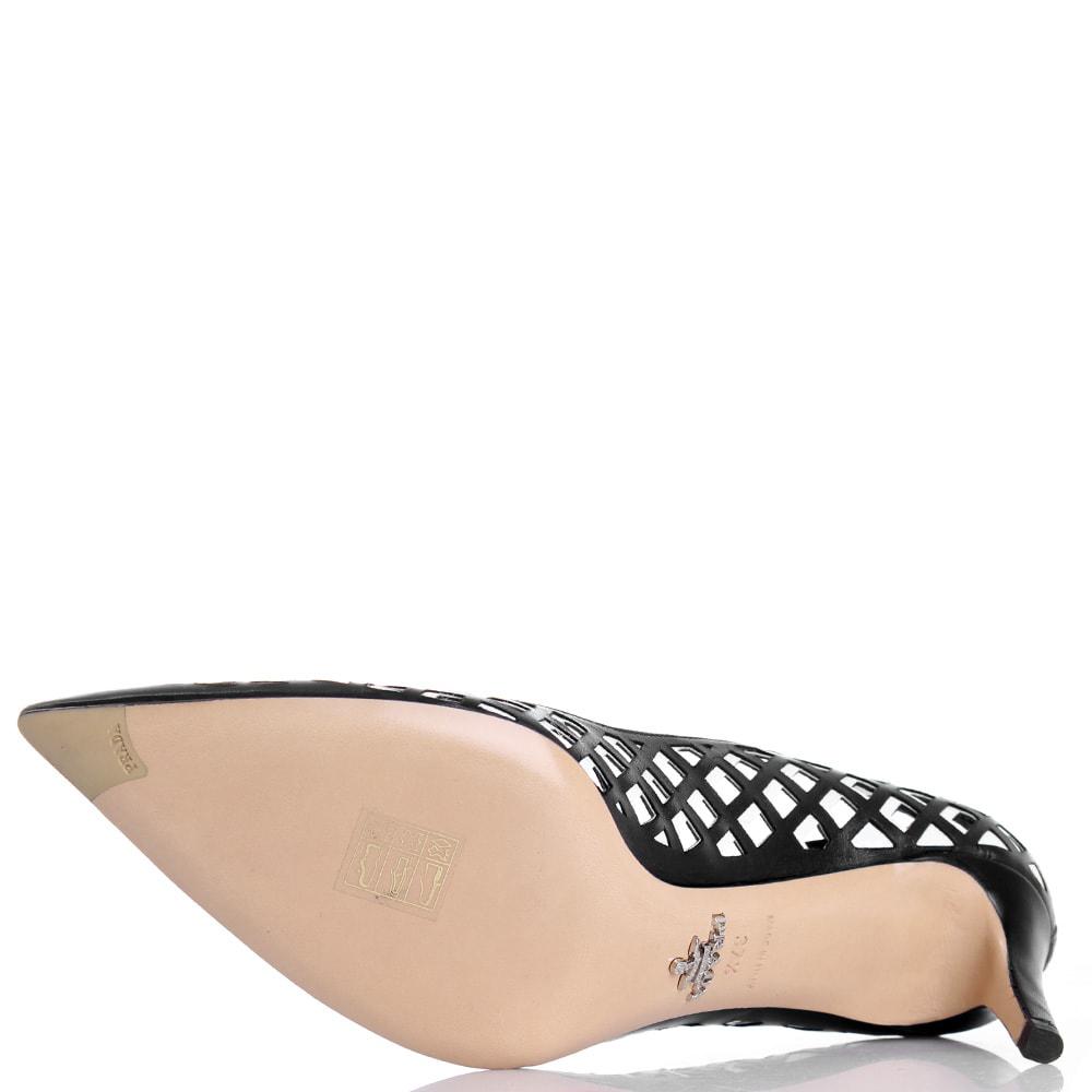 Лодочки Prada из кожи черного цвета с перфорацией