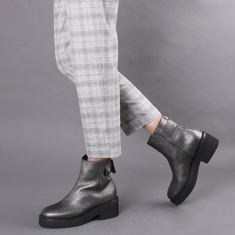 Серые ботинки Vic Matie на молнии сзади