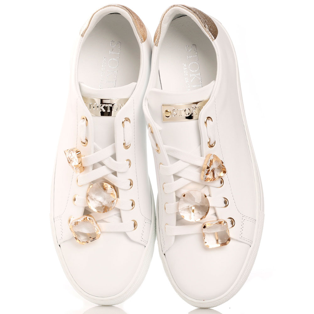 Белые кеды Stokton с крупными камнями на шнуровке