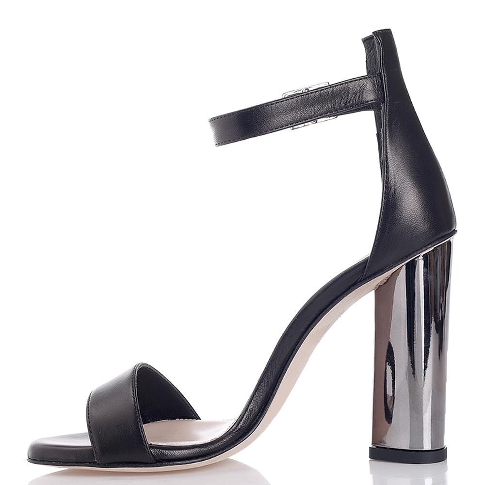 Босоножки Chantal черного цвета на металлическом каблуке