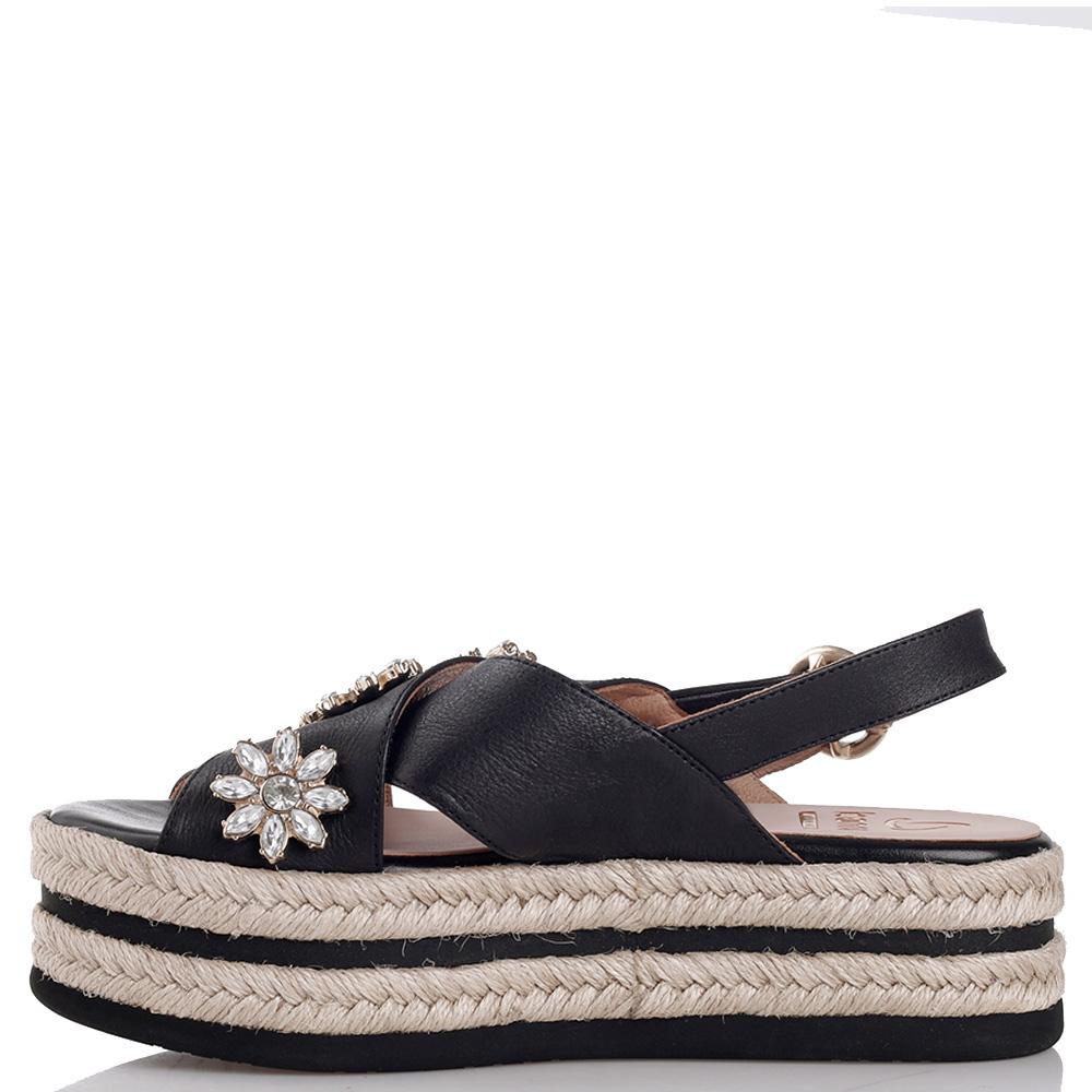 Черные сандалии Kanna с декором-камнями