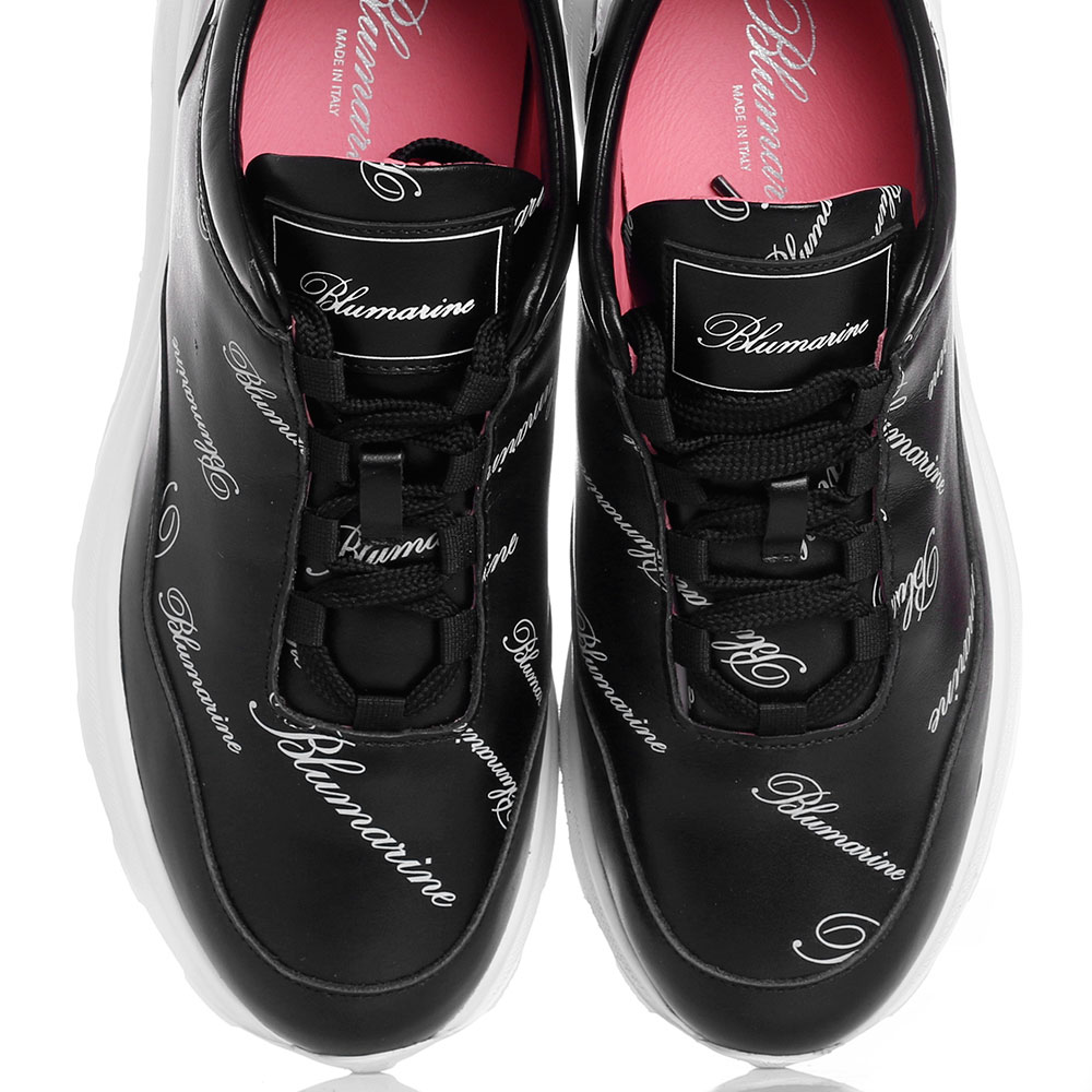 Женские кроссовки Blumarine с брендовым принтом