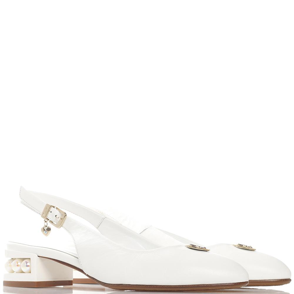 Белые туфли Ilasio Renzoni с декором-бусинами на каблуке