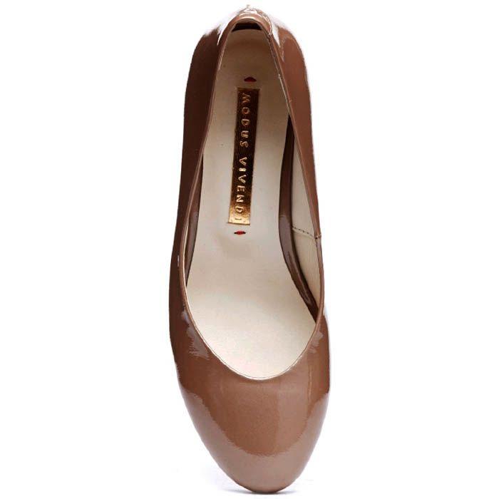 Бежевые туфли из лаковой кожи Modus Vivendi на удобном каблуке