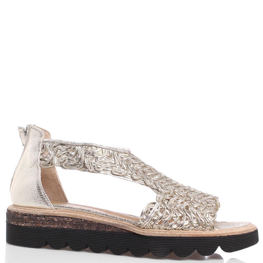 Плетеные сандалии Laura Bellariva золотистого цвета