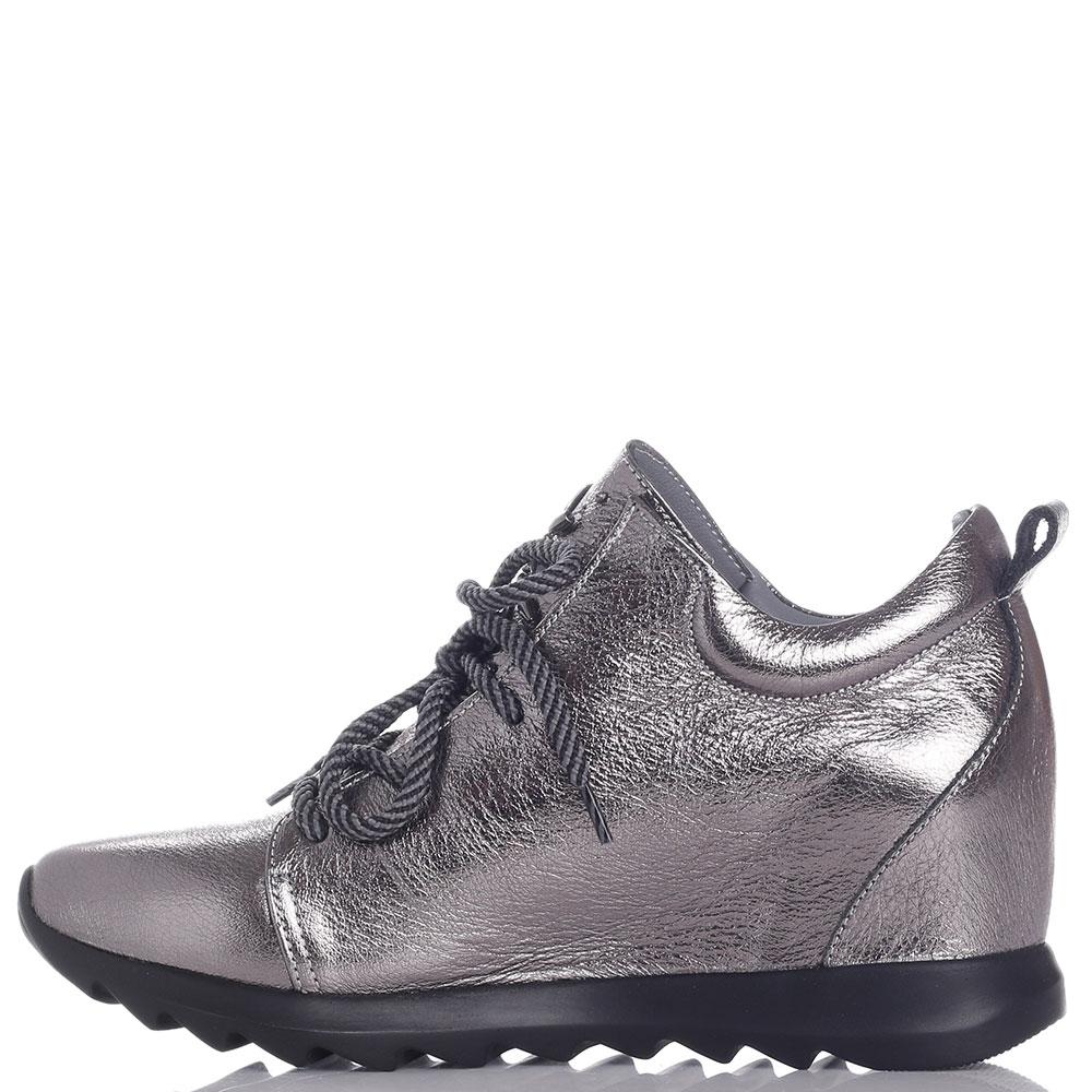 Серебристые ботинки Roberto Serpentini с декором-камнями