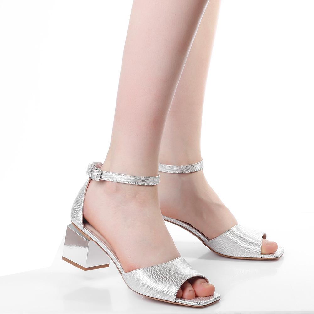 Серебристые босоножки Jeannot с зеркальным каблуком