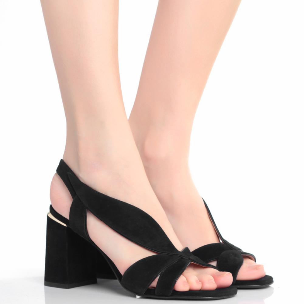 Черные босоножки Lola Cruz на устойчивом каблуке