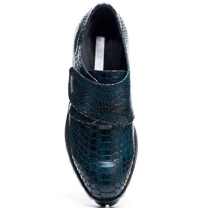 Кожаные туфли синего цвета на липучках Modus Vivendi с тиснением под питона