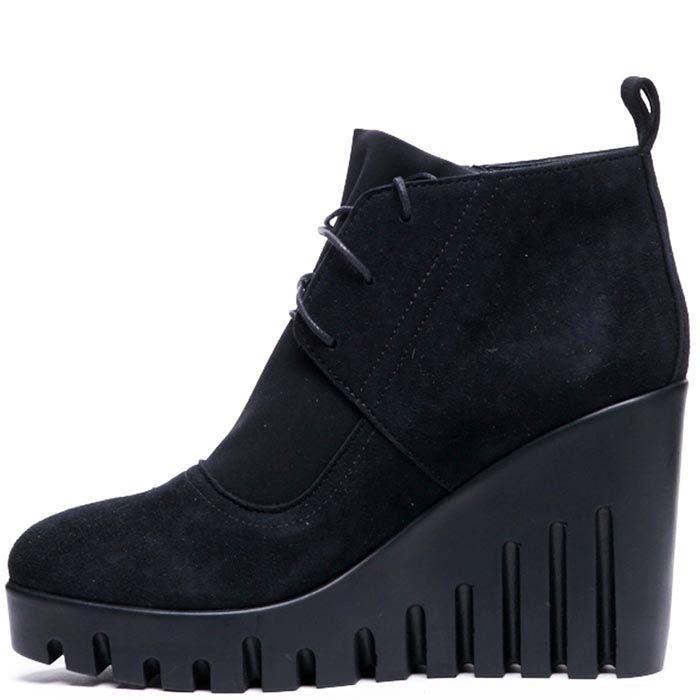 Замшевые ботинки с текстильными вставками черного цвета Modus Vivendi на танкетке
