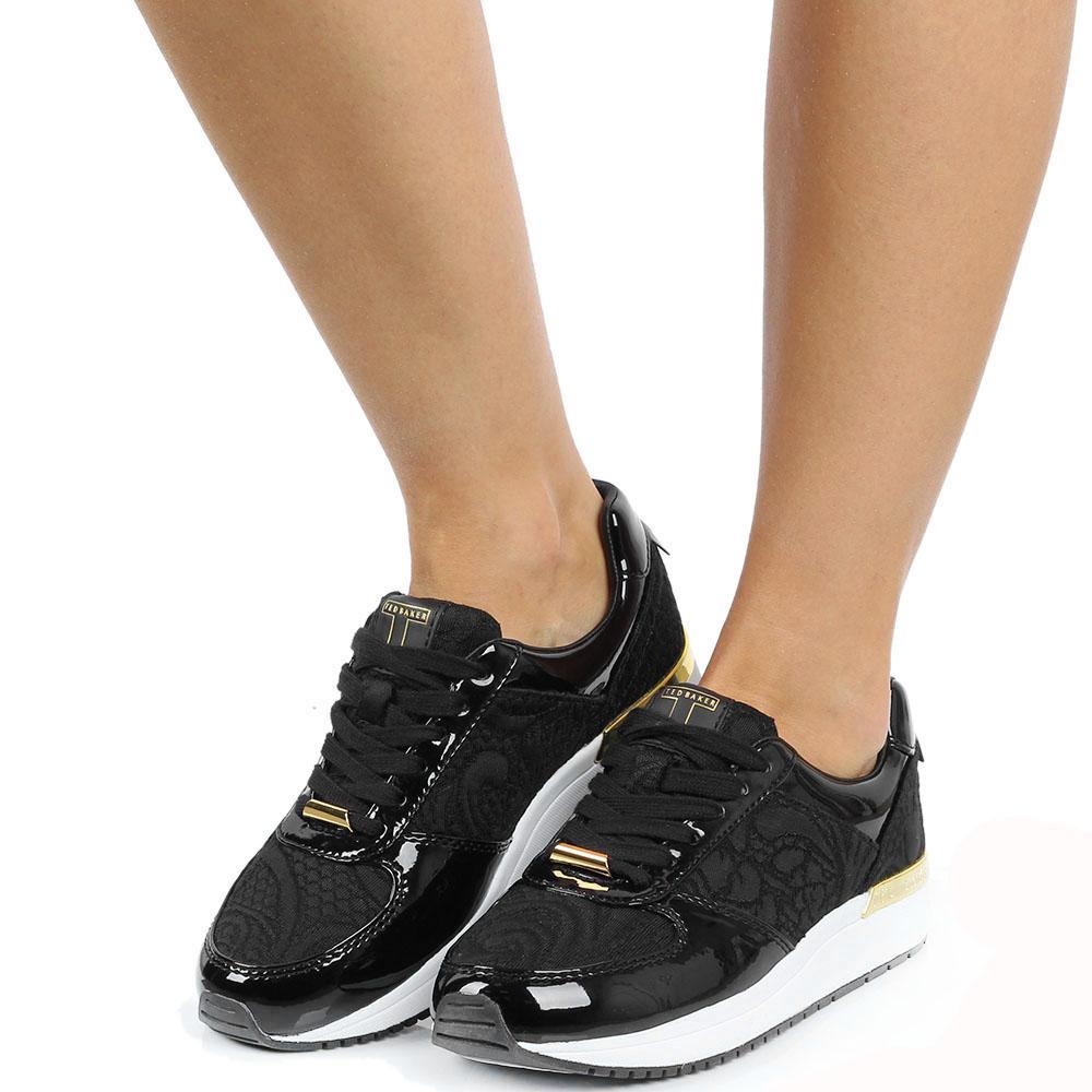 Кроссовки Ted Baker черного цвета лаковые с текстильными фактурными вставками