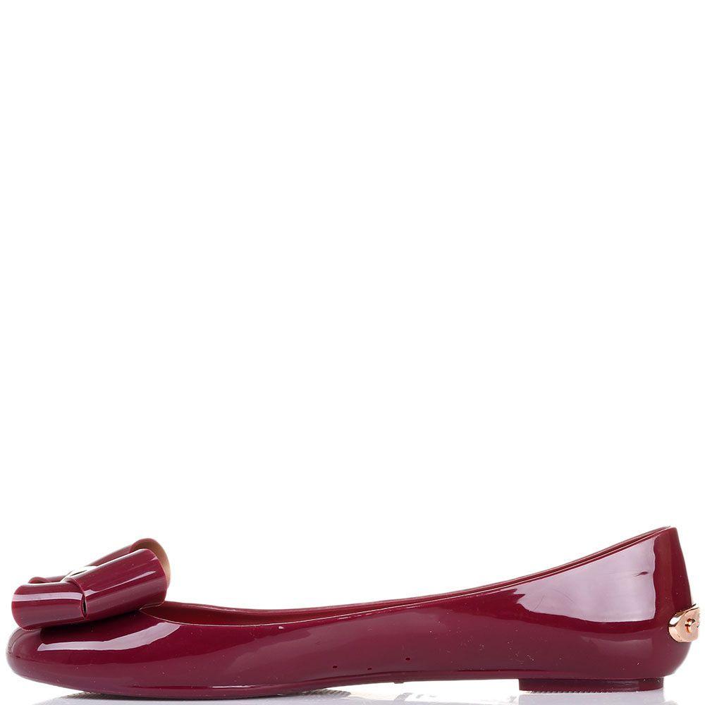 Балетки Ted Baker с брендированными металлическими деталями цвета бордо