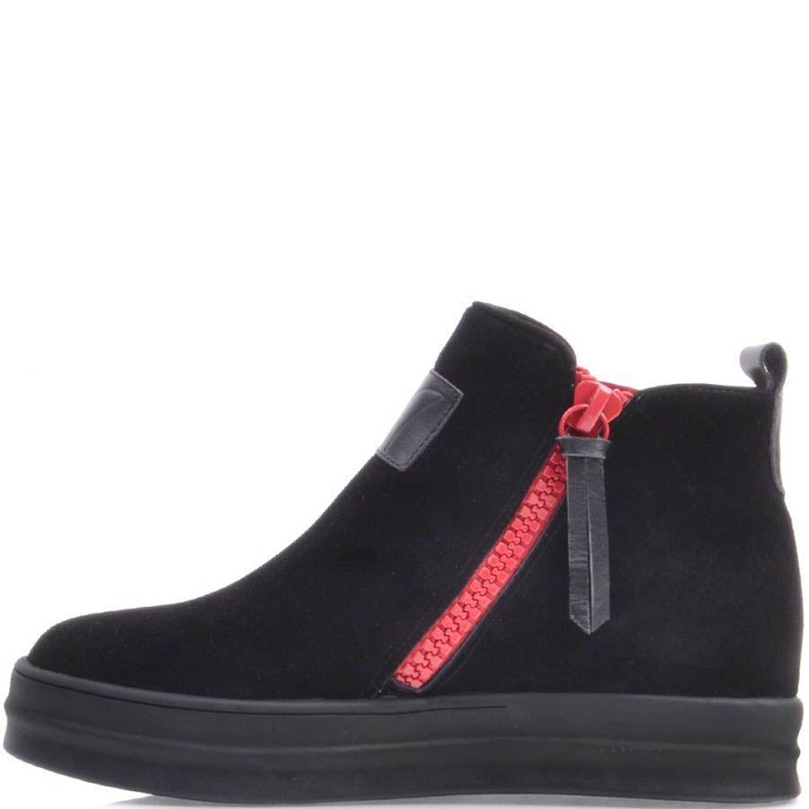 Ботинки Prego черного цвета замшевые на плоском ходу с красными молниями