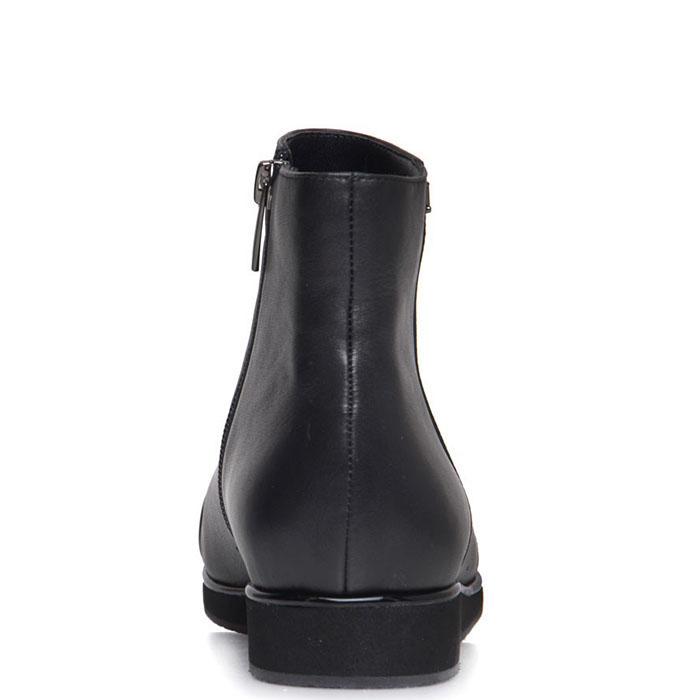 Ботинки Prego из натуральной кожи черного цвета с лаковым носочком