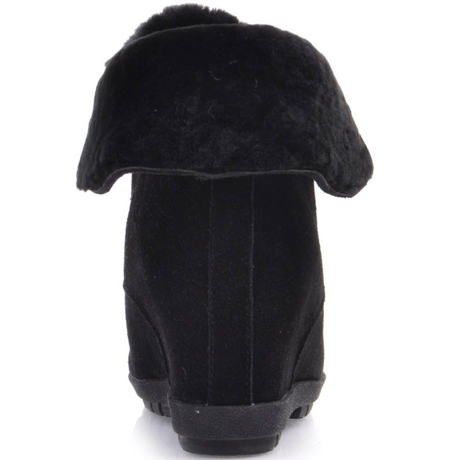 Ботинки Prego зимние с меховым отворотом и со скрытой танкеткой черного цвета