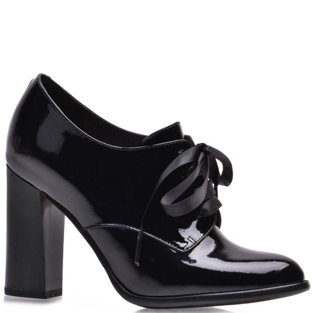 Ботильоны Prego из натуральной лаковой кожи черного цвета на шнуровке