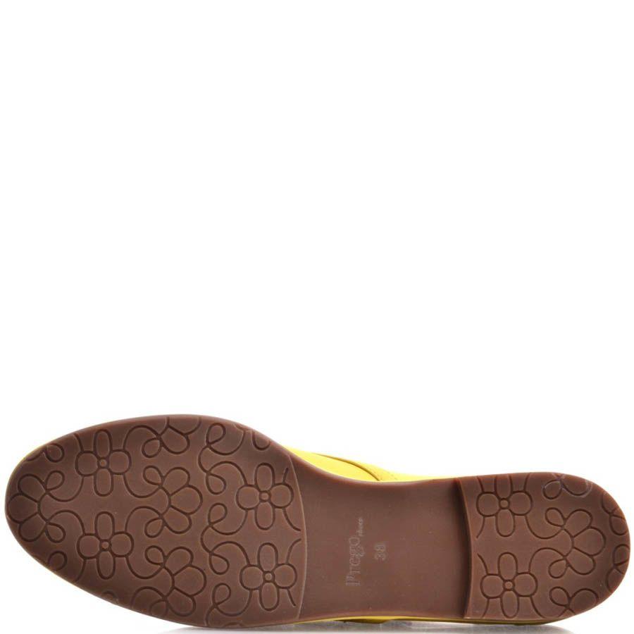 Туфли Prego женские желтого цвета кожаные