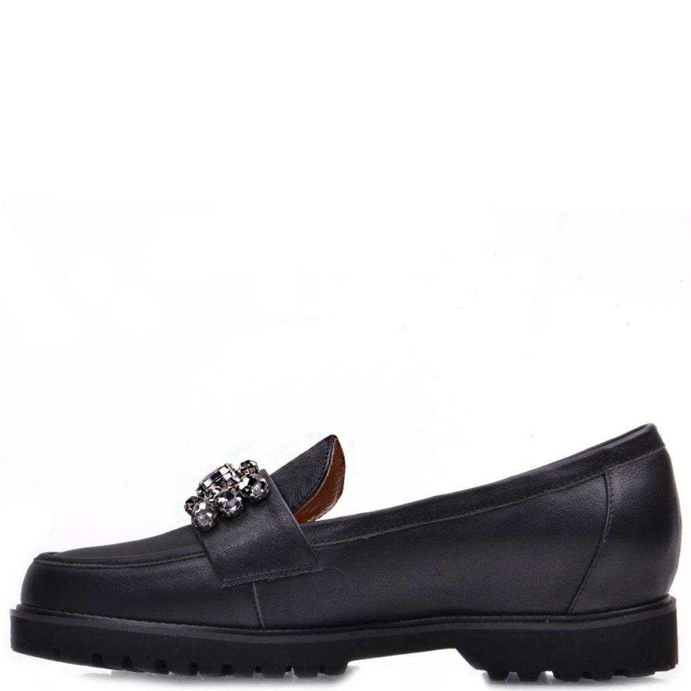 Туфли-лоферы Prego из натуральной кожи черного цвета с камнями на носочке
