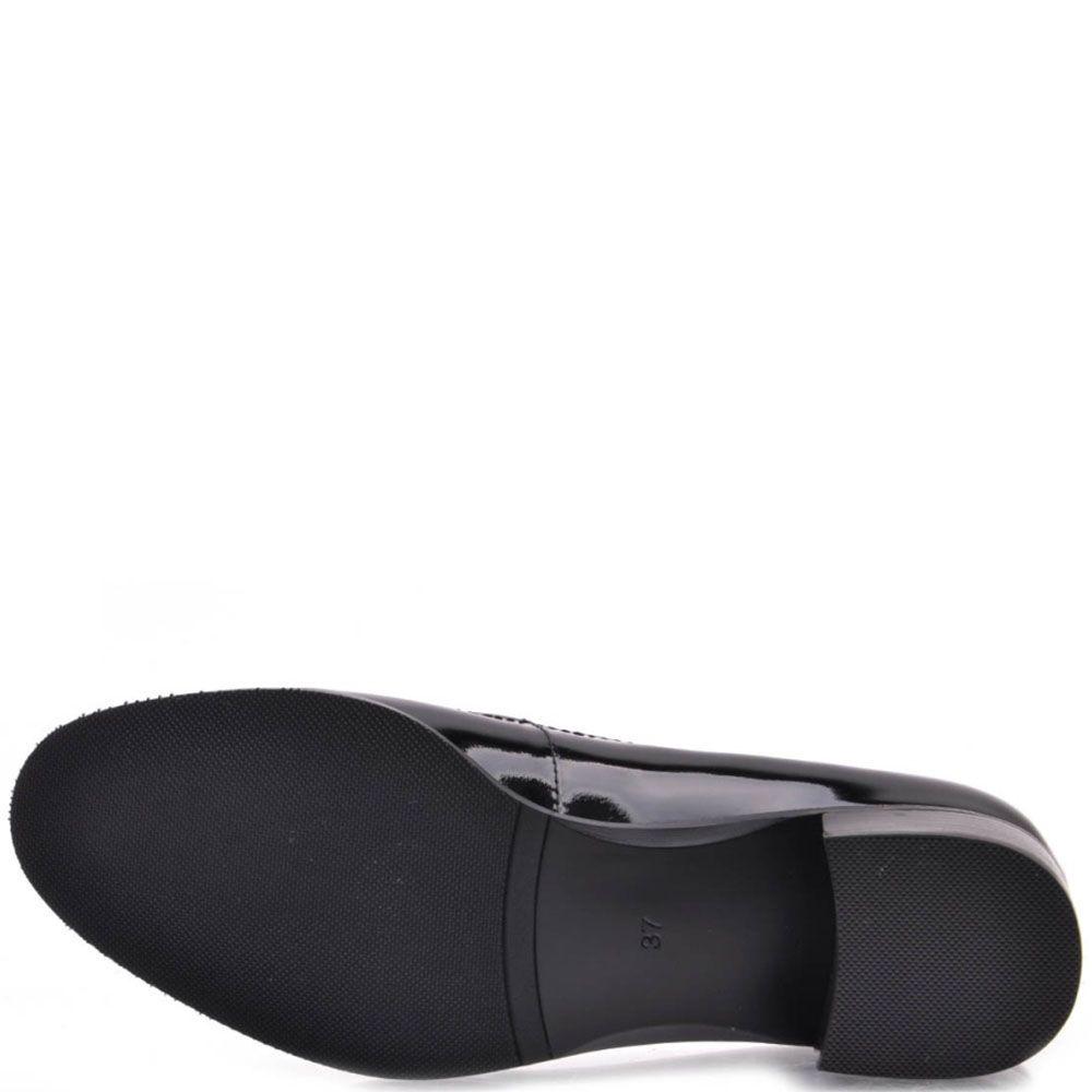 Туфли-лодочки Prego из натуральной лаковой кожи черного цвета