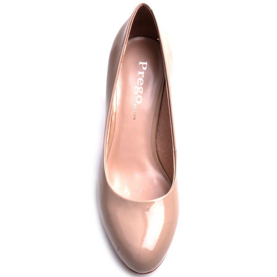 Туфли Prego лаковые бежевого цвета с круглым носком и металлической вставкой